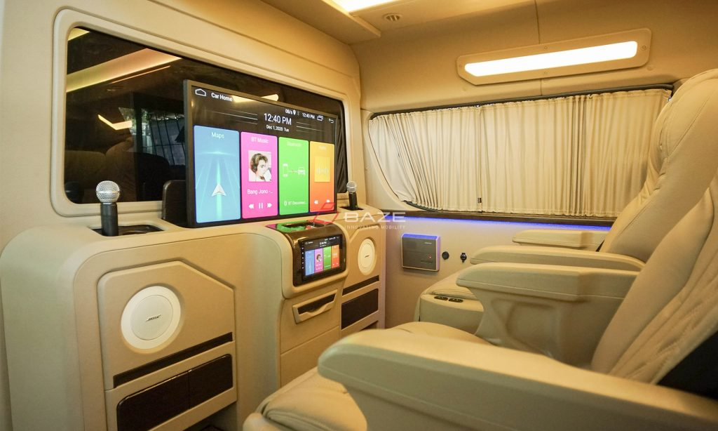 Toyota Hiace Premio Sofa Bed